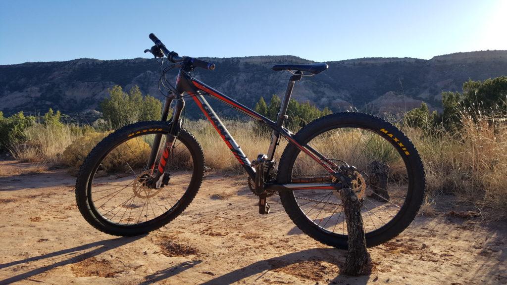 best hardtail mountain bike under 500 bike rider up. Black Bedroom Furniture Sets. Home Design Ideas